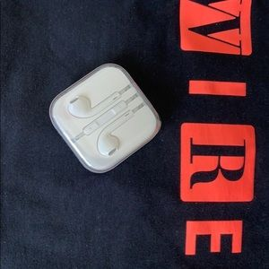 Other - NWOT WIRED Magazine T-Shirt FREE EarPods 🎧